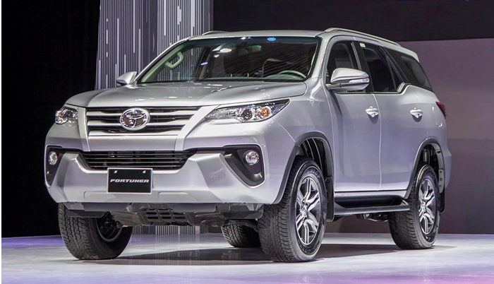 Giá lăn bánh 4 phiên bản Toyota Fortuner 2018 sắp bán tại Việt Nam