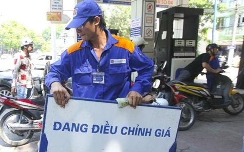 Giá xăng giảm sâu từ 15h chiều nay