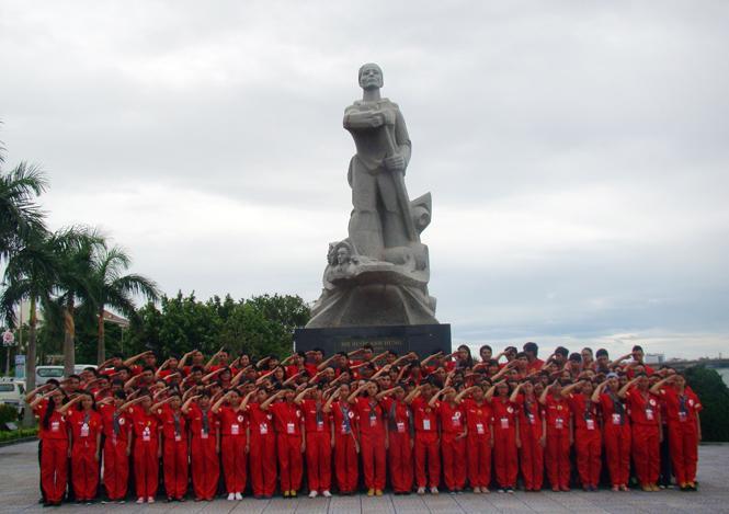 """""""Hành trình đỏ-Kết nối dòng máu Việt"""" đến Quảng Bình"""