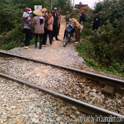Hiểm họa chết người từ những đường dân sinh cắt ngang đường tàu