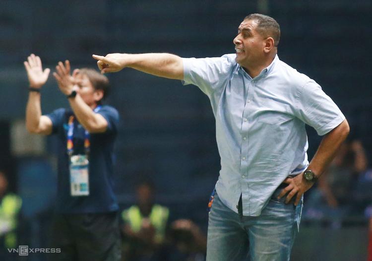 HLV Jordan: 'Phải đánh bại UAE để đứng nhất bảng'