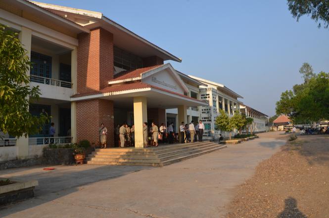 Hỗ trợ hơn 55 tỷ đồng cho tỉnh Khăm Muộn và Savannakhet phát triển hạ tầng