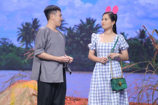 Hoa hậu Hoàn vũ Khánh Vân lần đầu mang vương miện tiền tỷ đầy kim cương lên sân khấu