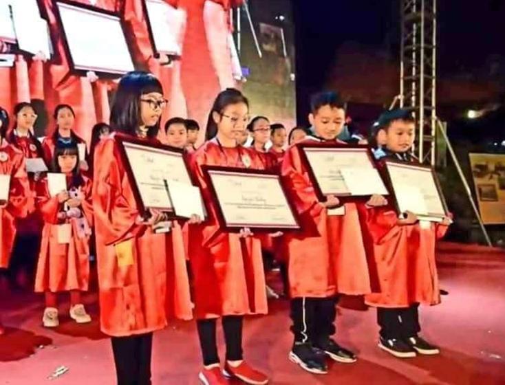 Học sinh Quảng Bình giành giải Trạng nguyên tiếng Anh toàn quốc và học bổng 1,5 tỷ đồng