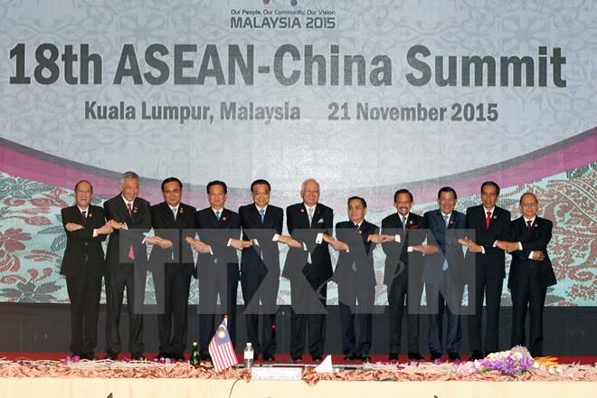 Hội nghị ASEAN: Thủ tướng đề nghị không quân sự hóa Biển Đông