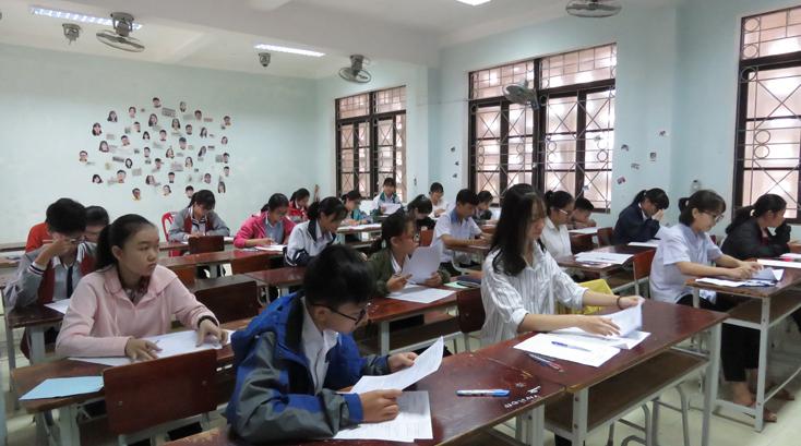 Hơn 600 học sinh lớp 9 và lớp 12 đạt học sinh giỏi cấp tỉnh