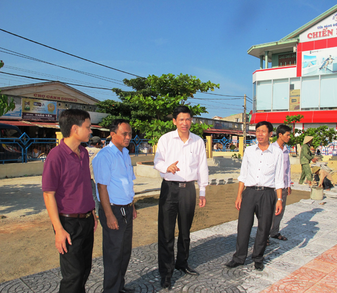 Huy động mọi nguồn lực, phấn đấu xây dựng huyện Quảng Trạch phát triển nhanh và bền vững