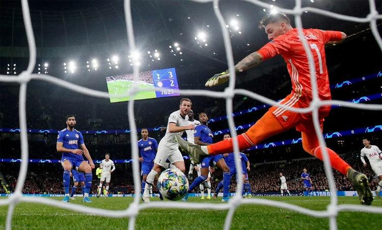 Kane phá kỷ lục Champions League