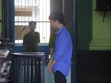 Kẻ làm hại nữ sinh lớp 7 trường Chu Văn An Quảng Bình lãnh án tù 18 năm