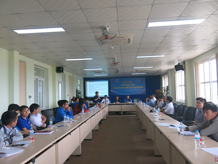 Kết nối công tác Đoàn giữa Đại học Huế và các trường THPT trên địa bàn tỉnh