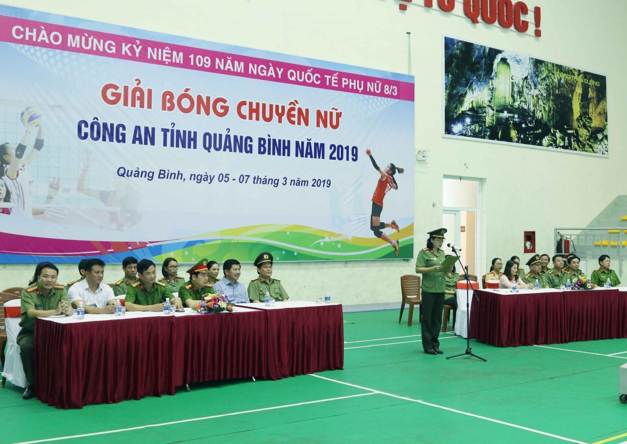 Khai mạc giải bóng chuyền nữ Công an tỉnh Quảng Bình năm 2019