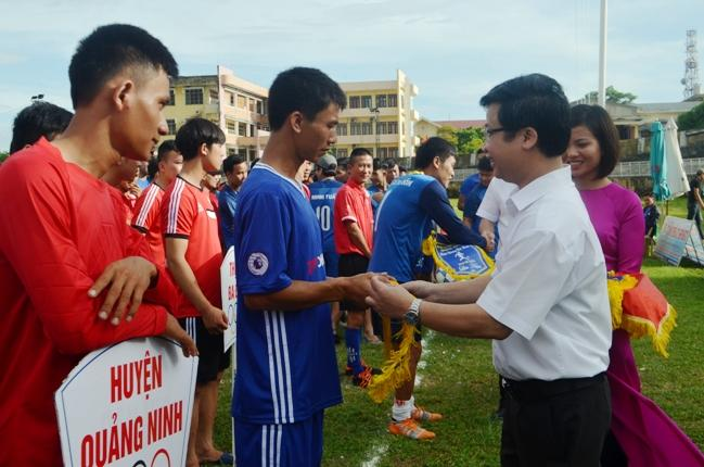 Khai mạc Giải Bóng đá nam Đại hội TDTT tỉnh Quảng Bình, lần thứ VIII