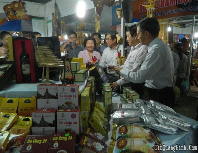 Khai mạc hội chợ triển lãm Quảng Bình 2015