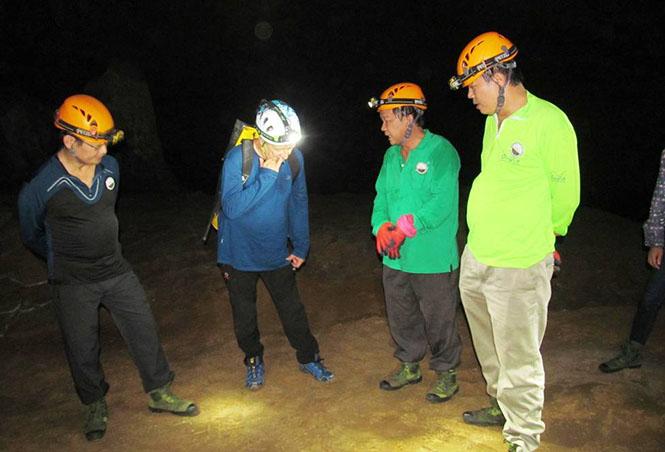 Khai trương tuyến du lịch hang Va, hang Nước Nứt