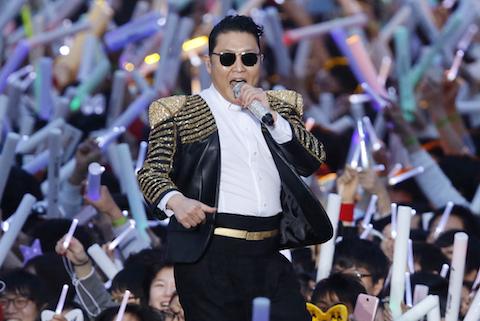Khán giả lạnh nhạt, Psy tạm hoãn đến Việt Nam