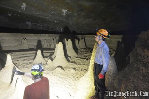 Khảo sát thực tế tuyến du lịch hang Va - hang Nước Nứt