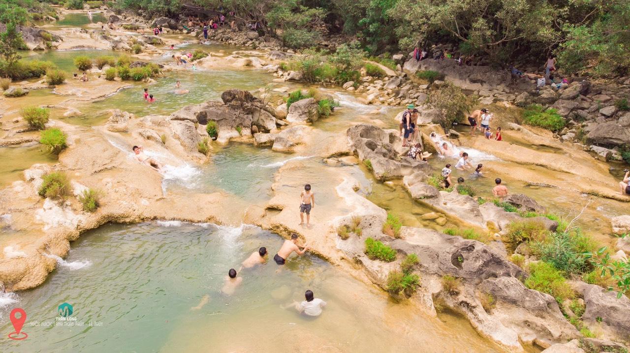 Khe Nước Lạnh điểm du lịch mới lạ tại Quảng Bình