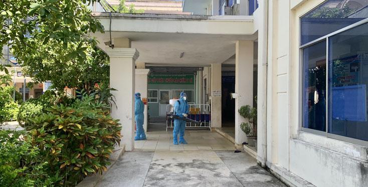 Khử khuẩn Trung tâm Y tế TX. Ba Đồn và Bệnh viện đa khoa khu vực Bắc Quảng Bình