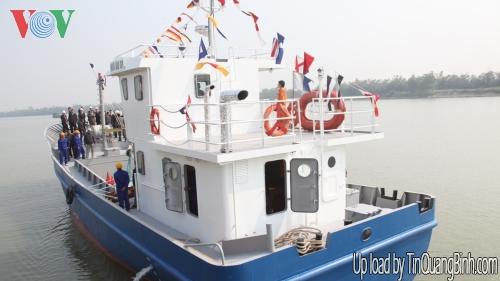 Ký hợp đồng đóng mới 2 tàu cá vỏ thép cho ngư dân Quảng Bình