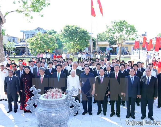Lãnh đạo dâng hương tưởng niệm Tổng Bí thư Nguyễn Văn Linh