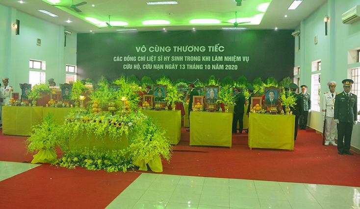 Lãnh đạo tỉnh Quảng Bình tham dự lễ viếng, truy điệu 13 cán bộ, chiến sĩ hy sinh tại thuỷ điện Rào Trăng 3
