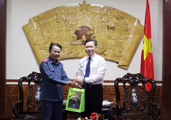 Lãnh đạo UBND tỉnh tiếp xã giao đoàn công tác Viện Kiểm sát nhân dân tỉnh Khăm Muộn