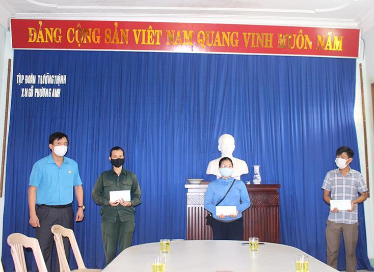 LĐLĐ tỉnh: Thăm đoàn viên, người lao động khó khăn do ảnh hưởng của dịch bệnh Covid-19