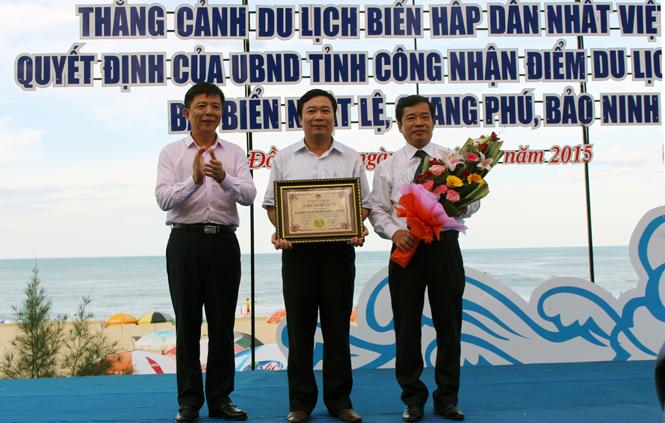Lễ công bố bãi biển Nhật Lệ được công nhận vào Top 10 thắng cảnh du lịch biển hấp dẫn nhất Việt Nam