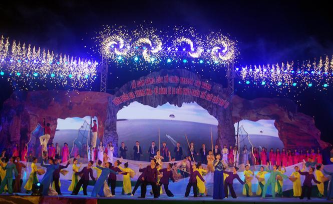 Lễ đón bằng của tổ chức UNESCO ghi danh VQG PN-KB là Di sản thiên nhiên thế giới (lần 2) và lễ hội hang động Quảng Bình năm 2015