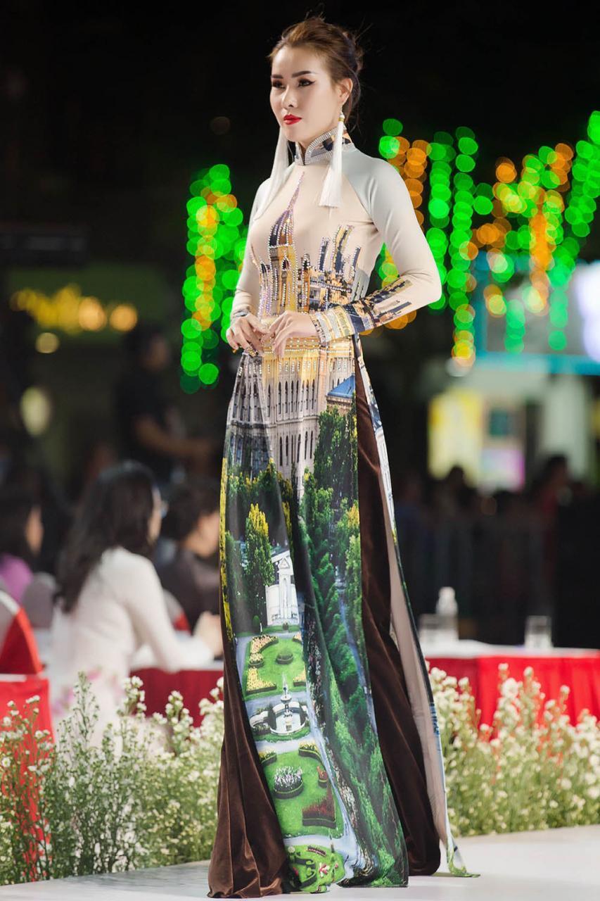 Lễ hội Áo dài 2019: NTK Nhật Dũng gây ấn tượng mạnh