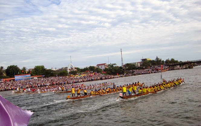 Lễ hội đua, bơi thuyền trong đời sống người dân Quảng Ninh