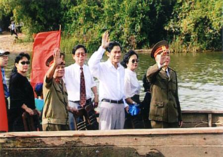 """Lễ hội đua thuyền truyền thống trên sông Kiến Giang: """"Nóng"""" trước giờ """"G"""""""