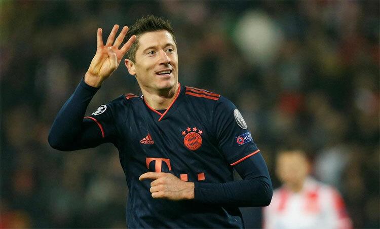 Lewandowski ghi bốn bàn nhanh nhất Champions League