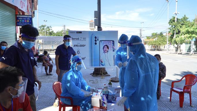 Lịch trình phức tạp của 2 ca nhiễm SARS-CoV-2 ở Quảng Bình
