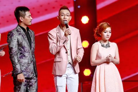 Live show 5 Giọng hát Việt 2015: Tuấn Hưng 'sạc' học trò tại sân khấu sau khi 'hi sinh' bài hát độc quyền