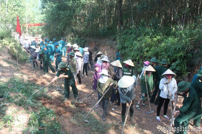 """LLVT Quảng Bình tích cực tham gia phong trào """"Cả nước chung tay xây dựng nông thôn mới"""""""