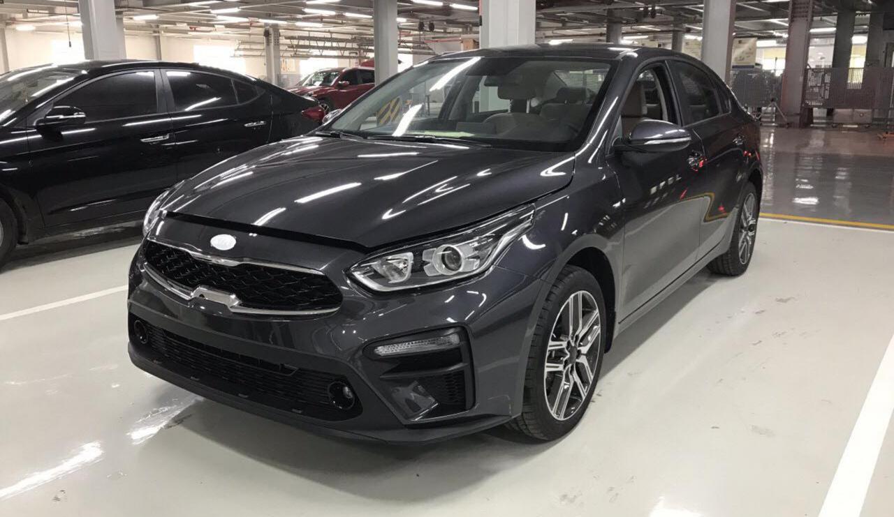 Lộ giá bán Kia Cerato 2019 bản số sàn khoảng 550 triệu đồng