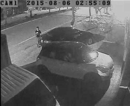 Lộ hình ảnh thủ phạm trộm phụ tùng xe Toyota trong đêm