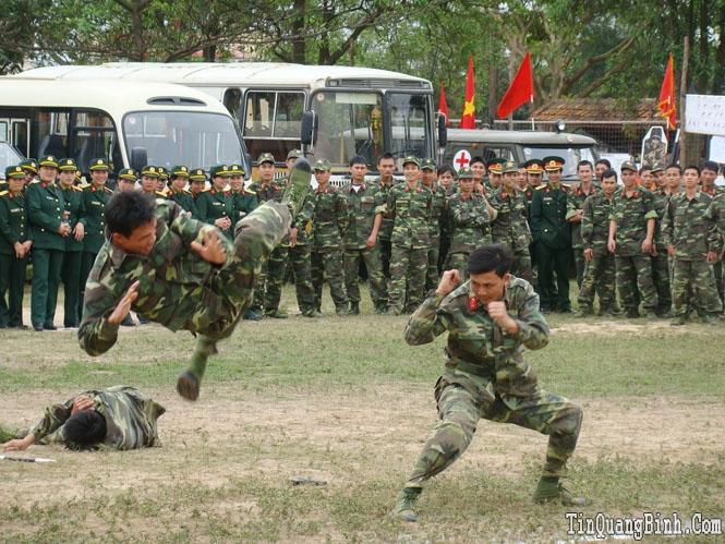 Lực lượng vũ trang Quảng Bình làm theo lời Bác Hồ dạy