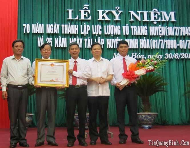 Minh Hóa: Kỷ niệm 70 năm ngày thành lập LLVT huyện và 25 năm ngày tái lập huyện