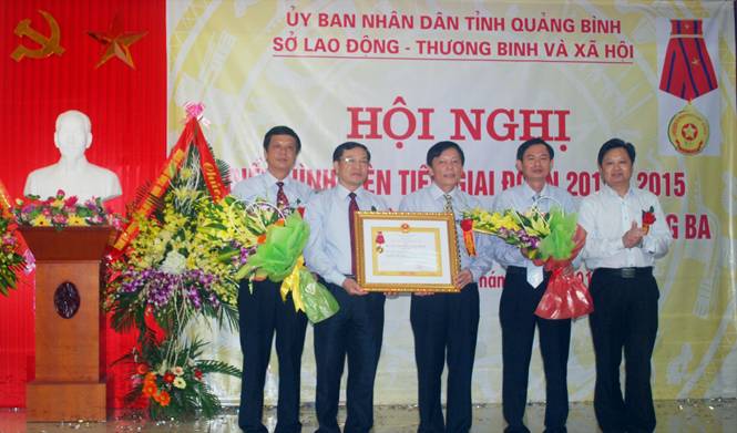 Ngành LĐ-TB và XH tổ chức hội nghị điển hình tiên tiến giai đoạn 2010-2015 và đón nhận Huân chương Lao động hạng Ba