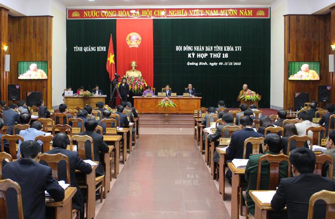 Ngày làm việc thứ hai của Kỳ họp thứ 16, HĐND tỉnh khóa XVI: Các đại biểu thảo luận về tình hình thực hiện nghị quyết của HĐND tỉnh