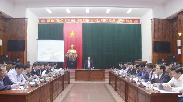 Nghe Dự thảo báo cáo và tiến độ lập Quy hoạch tỉnh Quảng Bình thời kỳ 2021 - 2030, tầm nhìn đến năm 2050