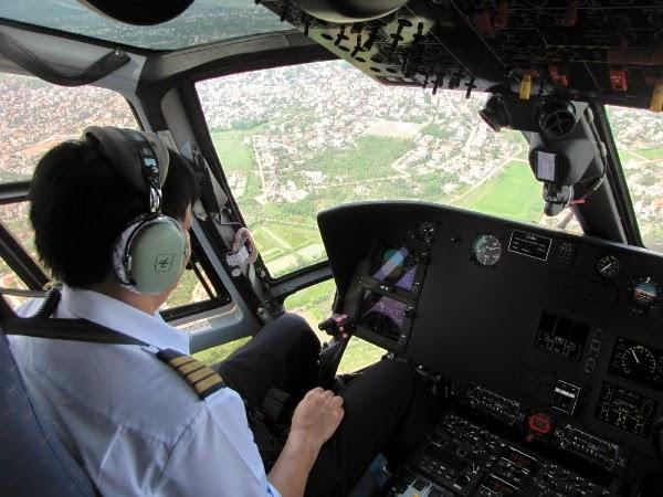 Ngồi trực thăng ngắm thành phố Đồng Hới