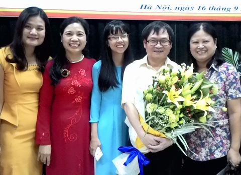 Nguyễn Nhật Ánh và Đàm Vĩnh Hưng, ai nổi tiếng hơn?
