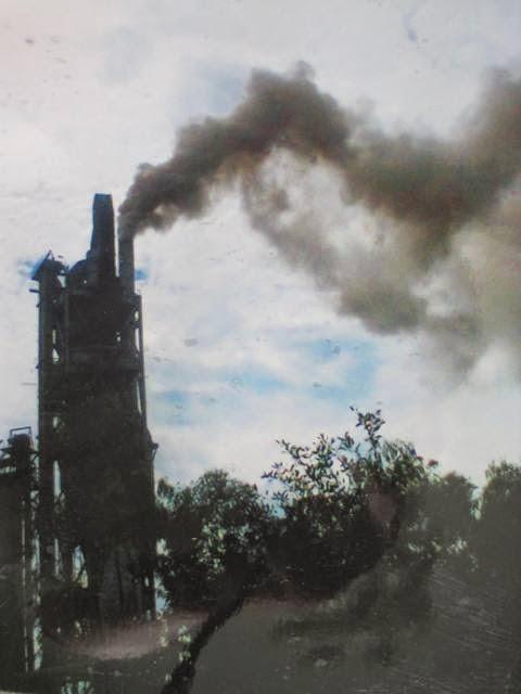 Nhà máy ximăng gây ồn, khói bụi