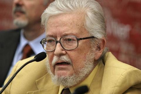 Nhà văn Mexico Fernando del Paso đoạt giải thưởng văn học Cervantes 2015