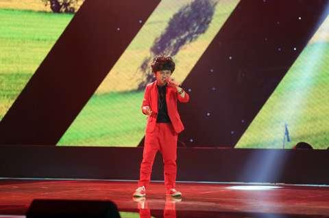 Nhạc sĩ Hồ Hoài Anh cần phải học cách ôm người khác