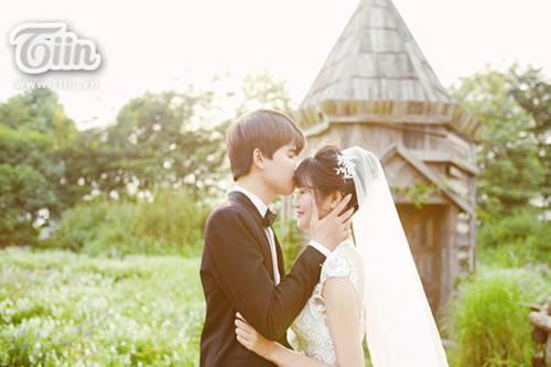 Nhận ảnh cưới quá xấu, cô dâu nhanh trí làm điều này khiến hôn lễ độc đáo ngoài sức tưởng tượng