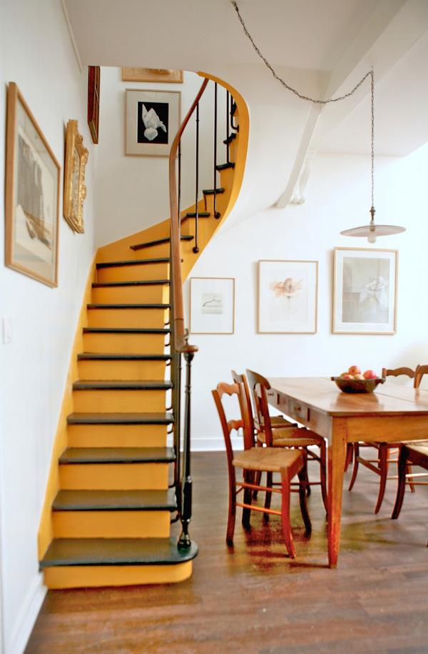 Những cầu thang được trang trí đẹp hút tầm mắt